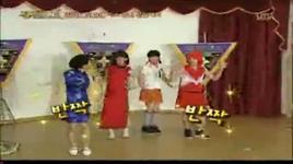 super junior dance gee - sorry sorry wearing female clothes - super junior