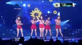 hug me once live‬‏ - girl's day