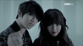 trouble maker (debut comeback next week, music bank @ kbs 25/11/2011) - hyuna (4minute), hyun seung (beast)