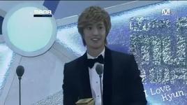 lucky guy (nam nghe si solo xuat sac nhat, mnet asian music awards 2011) - kim hyun joong