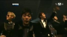 dance time @ 2011 mama - beast