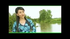 tren dong song nho - le giang