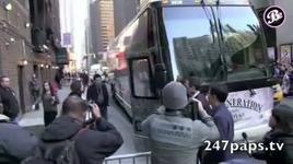 girls' generation arrived new york - fan cam - snsd