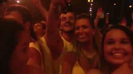shut it down (vevo live! carnival 2012) - pitbull