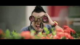 ngay moi ngot ngao (video lyrics) - miu le, hoang phi