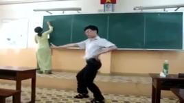 mang cover dance mr.taxi cuc chat cua nam sinh - v.a