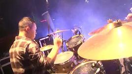 ra khoi (rockstorm 2012) - buc tuong