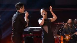 daylight, girl on fire (grammy 2013) - maroon 5, alicia keys