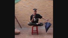 chang trai thai lan da tai, qua ao - v.a
