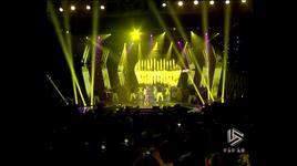com buom xuan (liveshow dau an hien thuc) - hien thuc