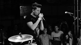 flaws (live at the troubadour, usa / 2014) - bastille