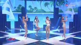 hot baby (140822 simply k-pop) - bestie