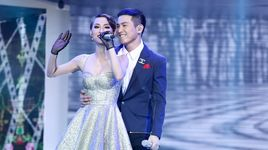 mashup: toi thay hoa vang tren co xanh - con mua tinh yeu - what is love - xin hay thu tha (the remix - hoa am anh sang 2017) - mai tien dung, tra my idol
