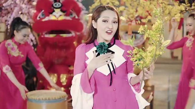 Video Đón Mùa Xuân - Bảo Anh, BB Trần, Tiko