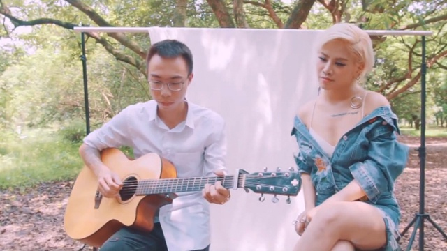 Là Do Em (Acoustic Version)